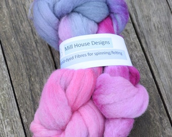 Hand-dyed Merino wool fibres