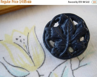 "Vintage Pierced Filigree Buttons Navy Grape Leaf shank style 3/4"" (19MM 30L) Cool sewing crafts plastic blue 10 pieces"
