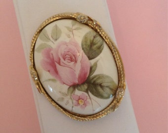 Vintage Shabby Pink Rose Oval Costume Brooch / Pin / Cream / Sage