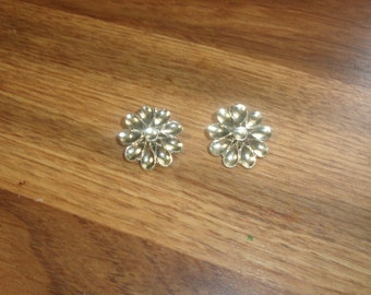 vintage clip on earrings goldtone  flower