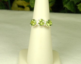 Peridot Ring Size 8, Bright Green Sparkle, 3 Stone Ring, Sterling Silver, August Birthstone, Natural Peridot, Green Peridot, 3 Stone Peridot