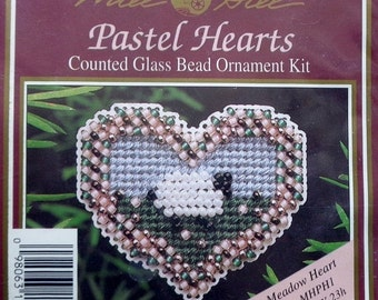 20%OFF Mill Hill Beads Counted Glass Bead Kit MEADOW HEART Ornament & Pin Pastel Hearts