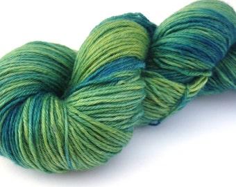 Hand painted Merino Cashmere Nylon yarn hand-dyed: Deep Lake