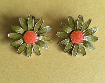 Flower Power 1970's Vintage Green and Orange Enamel Flower Clip On Earrings