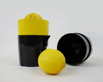 Vintage Juicer Lemon Squeezer in Yellow and Black Solingen Made in Germany