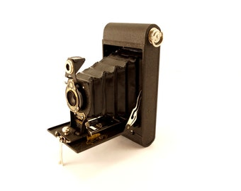 Vintage Kodak No 2 Folding Cartridge Hawkeye Camera with Original Box and Manual (c.1924) - Collectible Folding Working Camera