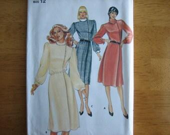 Butterick Pattern 4040 Misses' Dress    1980's    Uncut