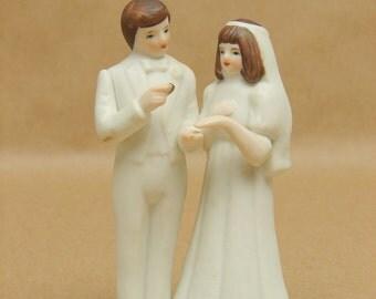 Vintage Bride & Groom Ceramic Cake Topper Wedding Cake Decoration