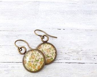 Clearance Sale Bronze Pretty Everyday Jewelry - floral spring earrings - vintage inspired earrings - Spring jewelry - everyday earrings - ye