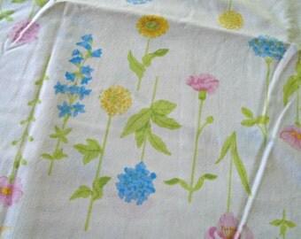 Vintage Flower Stem Sheet / Full Flat Sheet / Double Sheet / Percale / Full Bedding / Floral Bedding / Pastel Flowers / Botanical Sheet