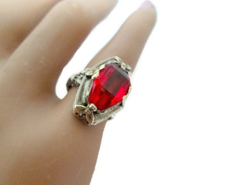 Art Deco Ring Filigree 14K White Gold Simulated Ruby Stone 1920s