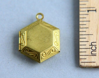 Locket Pendant, Hexagon Locket, Gold Brass Photo Locket Pendant, Imperfection Locket Pendant, Geometric Locket Pendant, 17mm ( 1 piece )