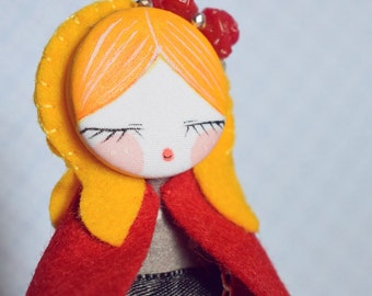 Fifi doll Red riding hood. Brooch & necklace.
