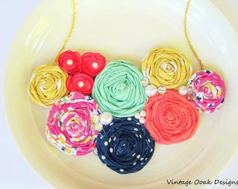 Summer Rosette Statement Necklace, Rosette Bib Necklace,Rosette Necklace,Bridesmaid Necklace,Bridal Jewelry,Fabric Necklace,Fabric Jewelry