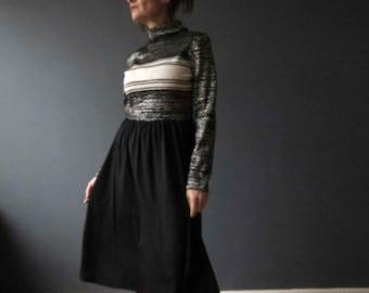 Vintage 70s Lurex Jumper Dress Black Silver Ivory Roll Neck Vicky Vaughn Juniors Medium