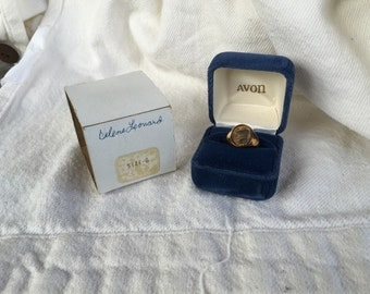 Avon RING 1982 Mrs Albee Sterling 18k hge sterling Victorian Sales Award size 6 President's Club original box and packaging jewelry bargain