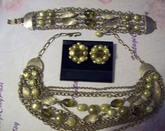 Vintage Necklace Bracelet Earrings Set, Olive Necklace, Olive Bracelet, Olive Earrings, Vintage Clip Earrings