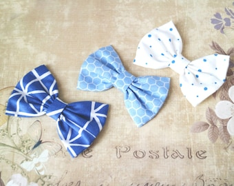 Blue bows, tiny hair clip, girls bows, pastel blythe bow. Blythe doll accessories. Flowers print. Doll bows. Prop, Photographer