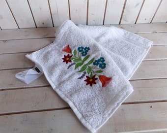 Embroidered, hand towel, small towel, personalized handtowel, mini towel, travelling towel, gift for her, Hungarian embroidered towel, gift