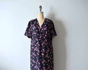 1940s vintage dress . 40s print dress . volup dress
