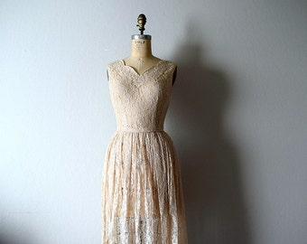 1950s lace dress . vintage 50s blush pink dress