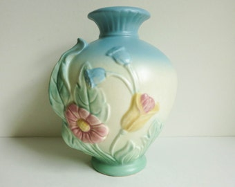 Vintage Hull Bow Knot Vase with Blue Top - Mid Century Art Pottery - Nature Theme Botanical Country Chic Decor - Blue Decor - Pastel Decor