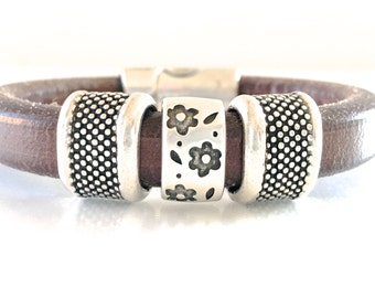 Flower Leather Bracelet  - Brown Leather Cuff -  Leather Jewelry -  Bracelet for Women - Flower Bracelet - Hippy Bracelet
