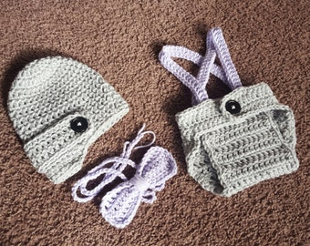 Crochet Baby Boy Newsboy Set with Suspenders and Bowtie, Photography Prop Set, Size Newborn and Infant - Grey & Pale Plum