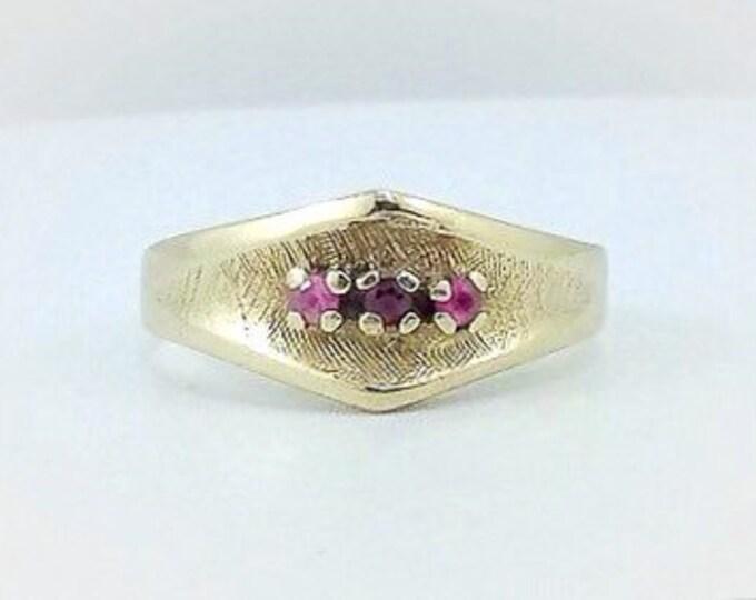 Ladies Vintage Solid 10k gold ruby ring. Rubies. Amethyst gold ring. Estate rings. Solid gold ruby ring.
