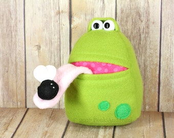 Frog Stuffed Toy, Toad Plushie, Frog Tooth Fairy Pillow, Boy's Pocketed Stocking Stuffer, Cute Kawaii Amphibian, Frog eating Fly Plush Toy