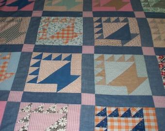 Vintage Quilt Top - 1920 - 1930 - Basket pattern - Unfinished quilt top - vintage fabrics - Antique quilt top - 72 x 90