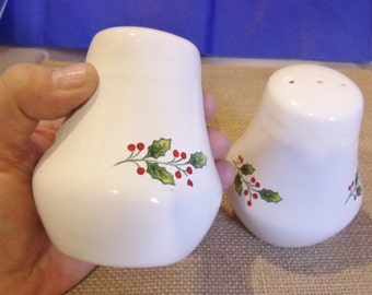 Holly Berry Salt and Pepper set, Christmas service, Holiday S&P shakers, Christmas Dinner ware.....