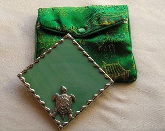 Stained Glass Purse Mirror|Pocket Mirror|Sea Turtle|Sea Turtle Mirror|Green|Green Pouch|Bath & Beauty|Makeup Tool|Handcrafted|Made in USA