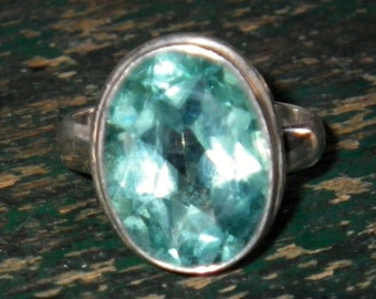 Vintage Blue Topaz and Sterling Silver Ring size 7.5