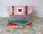 Sweet Valentine // Make up bag // Clutch // Pencil pouch // Small tablet case // Vegan // Heart // Ready to ship