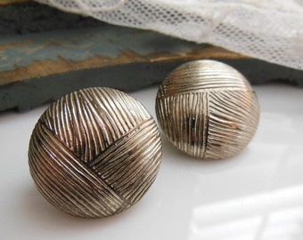 Vintage Deep Distressed Silver Tone Weave Design Metal Dome Clip On Earrings
