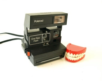 Vintage 70s one step flash Polaroid instant camera 70s tested and working retro gift