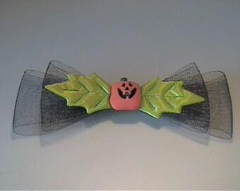 Halloween jack-o-lantern barrette with netting