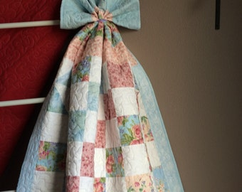 Shabby Chic Lap Quilt in matching tote