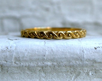 RESERVED - Vintage 18K Yellow Gold Wedding Band.