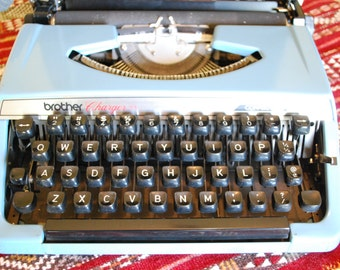 Vintage BROTHER Charger 11 Typewriter