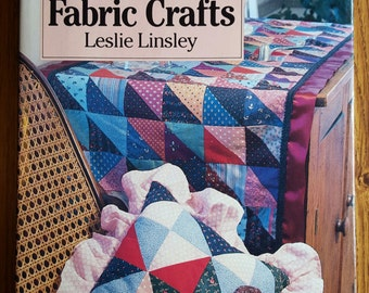 Book COUNTRY DECORATING with Fabric CRAFTS Leslie Linsley Decorating Projects pillows quilts holidays few no-sew projects