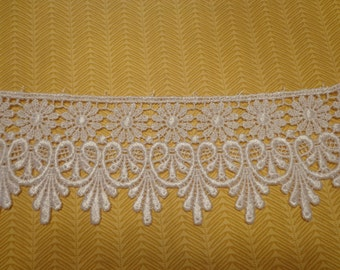 """Gorgeous 2 3/4"""" Wide Rayon Venice Lace Trim in White - 1 Yard"""