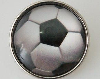 1 PC 18MM Glass Dome Soccer Ball Sports Silver Candy Snap Charm KB2503-n Cc1450