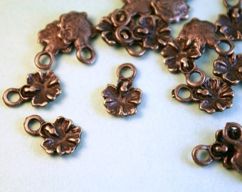 Hibiscus Flower Charm, 12 Charms 14 x 10 mm Antique Bronze Tone - bz398