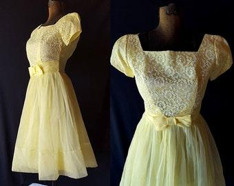 50s 60s Dress, Vintage Prom Wedding Party, Yellow, White Lace, Metal Zipper, Petite