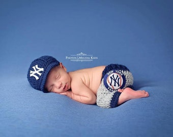 Newborn Baby New York Yankees Outfit Uniform Set- Hat, Pants, Knitted Crochet, Baby Gift, Photo Prop, Baseball, MLB