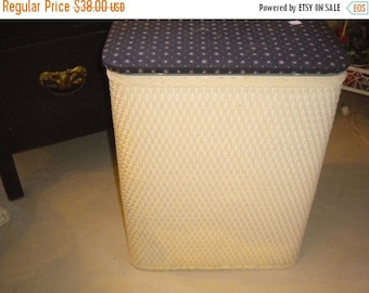SUMMER SALE Lovely Wicker Hamper, Eclectic Decor, Vintage Hamper