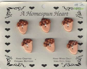 Clearance - Homespun Heart Acorn Button Set (6)