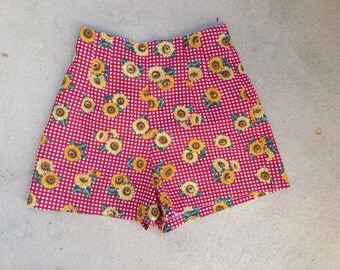 Vintage cute shorts high waist sunflower red checker print sz 7 S cotton polyester